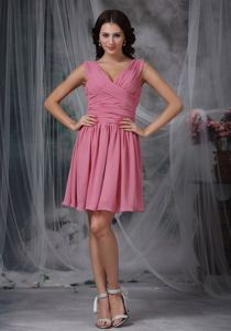 V-neck Ruched Mini-length Roes Pink Prom Dresses for Dama