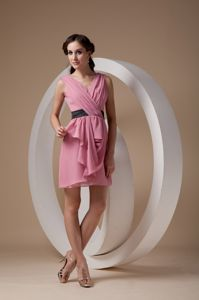 Side Zipper V-neck Ruched Mini-length Rose Pink Dress for Dama