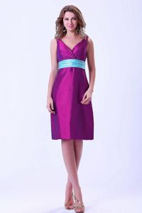 V-neck Knee-length Purple Zipper Up Taffeta Dama Dresses with Blue Belt