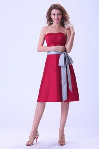 Wine Red Strapless Sash Short Taffeta Dama Dresses for Quinceanera