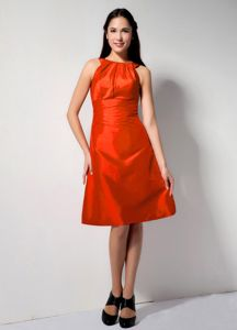 Red A-line Bateau Prom Dresses for Dama to Knee-length with Ruching