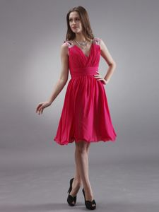 Red Beading Straps with V-neck Party Dama Dresses with Knee-length