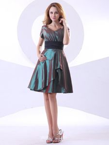 V-neck and Short Sleeves Dama Dress for Quinceaneras Design A-line