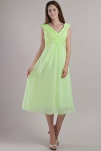 Yellow Green Straps V-neck and Ruche Damas Dresses for Quince to Ankle