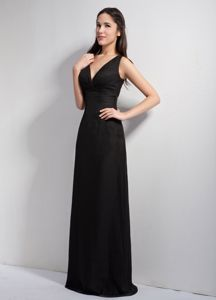 Black Straps Forming V-neck Floor-length Dama Dress for Quinceaneras