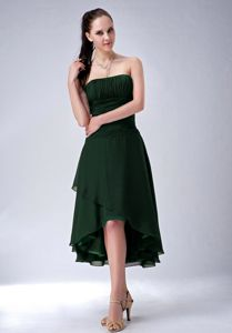 Dark Green Strapless Princess Quince Dama Dresses in High-low Design