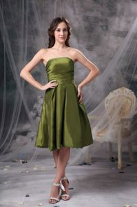 Olive Green A-line Strapless Quinceanera Dama Dresses to Knee-length