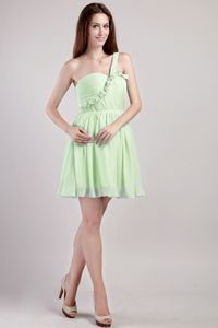Yellow Green One Shoulder Mini Quince Dama Dresses with Pleating