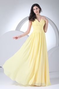 Ruched Straps with V-neck Empire Yellow 15 Dresses for Damas with Sash