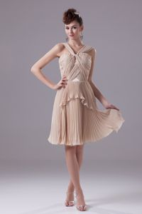 Pleating and Twisted Straps for V-neck Dama Dress in Champagne