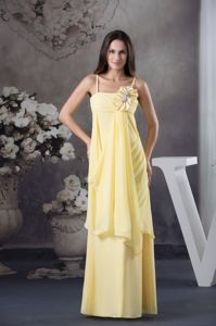 Spaghetti Straps Light Yellow Dresses for Damas with Handmade Flower