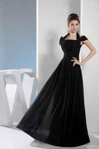 Two Design for Halter-top and off Shoulder Quince Dama Dress in Black