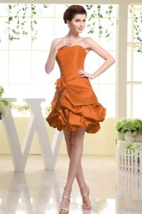Strapless Style Rust Red Quince Dama Dresses with Pick-ups and Flower