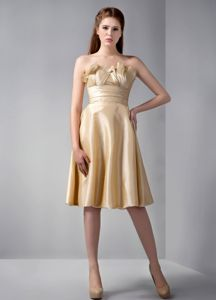 Gold Ruching Empire Strapless Knee-length Quinceanera Damas Dresses
