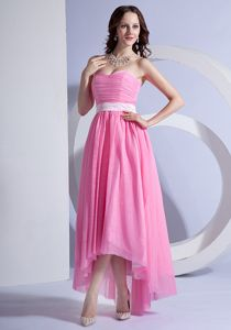 Cheap High-low Ruched Dama Dress for Quinceaneras in Pink