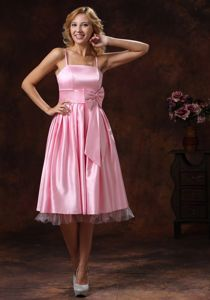 Baby Pink Quince Dama Dress with Straps and Bow Tea-length